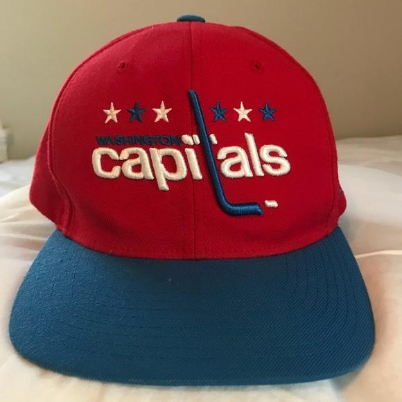 Vintage Washington Capitals SnapBack Hat. M 5b4263fa8ad2f9d97daa53e0 83e2a2ef382